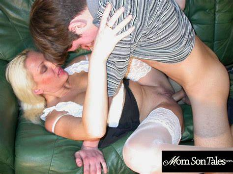 Foxy Getting Seduced And Drilled By Her Own Masseur