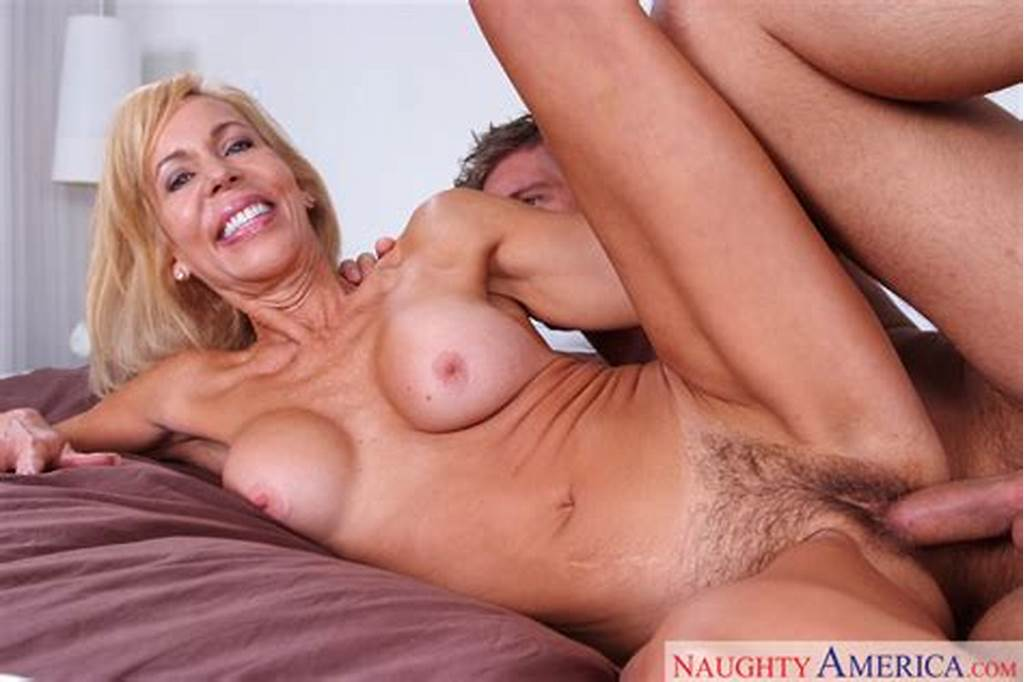 #Erica #Lauren #Fucking #In #The #Bed #With #Her #Hairy #Pussy