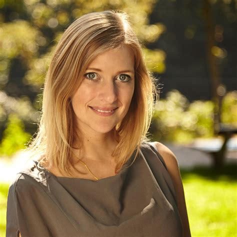 Julia Starp - Inhaber - Julia Starp, Modedesign | XING