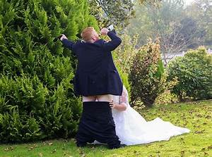 Video X Couple : couple 39 s x rated wedding day photo goes viral 2 pics ~ Medecine-chirurgie-esthetiques.com Avis de Voitures