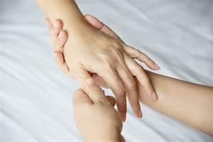 Bilder über Bett : handbadekurortmassage ber sauberem wei em bett ~ Watch28wear.com Haus und Dekorationen