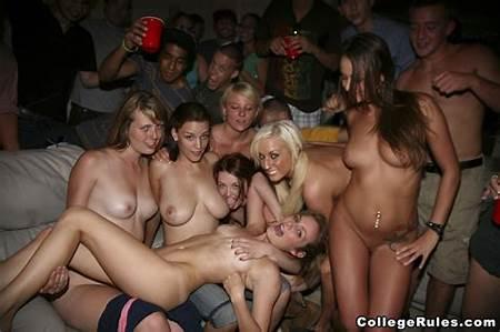 Teen Parties Wild Nude