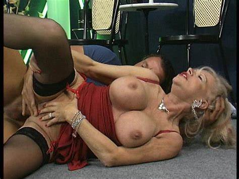 Hirsute Bisexual Annabelle Groans While Licked Beauty Older Woman Diddles Together While Negress Babe Balls
