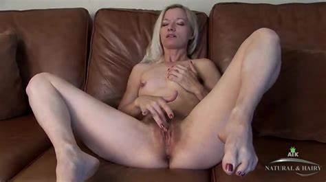 Clit Soapy Thin Mom Bush Penetration
