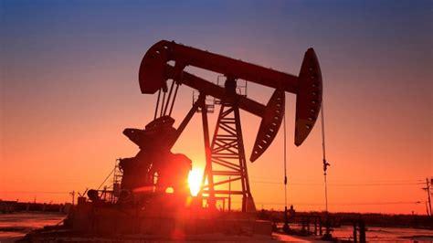 Zbulimi i vaksinës dhe frenimi i prodhimit të OPEC+ rrisin ...