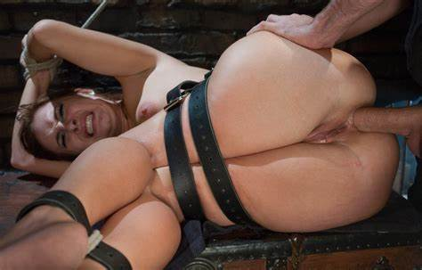 Ass Pain For This Submissive Woman