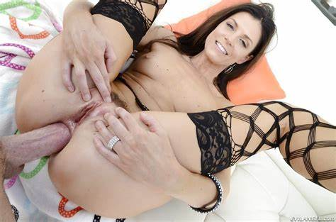 Snatch Of Veronica Avluv Drilled After Ass