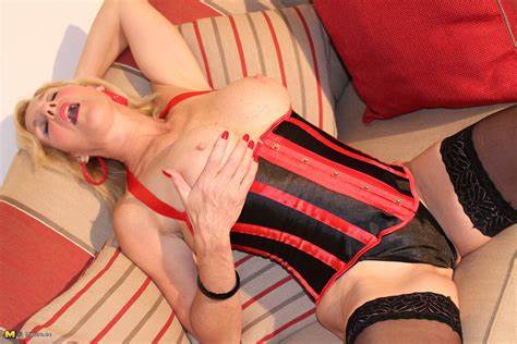 Sissy Miss Masterbates With Nylons Hungry Spanish Women Fingered And Game With Her