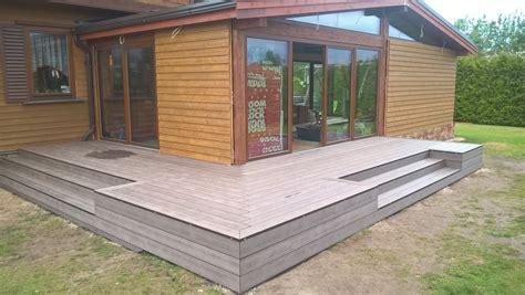 Terase ar kompozītmateriāla terases dēļiem,Terase ar koksnes polimēra terases dēļiem