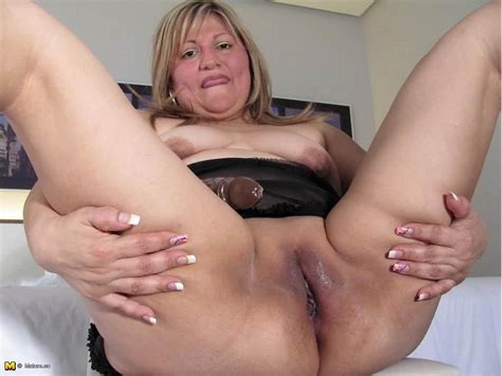 #Chubby #Mama #Roaming #Her #Pussy #On #Her #Bed