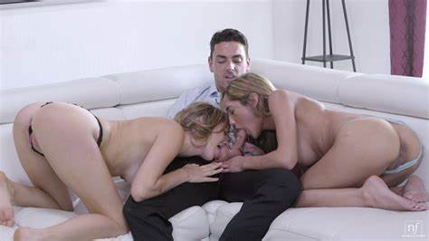 Chloe Moans As She Fucking Her Clit Gets