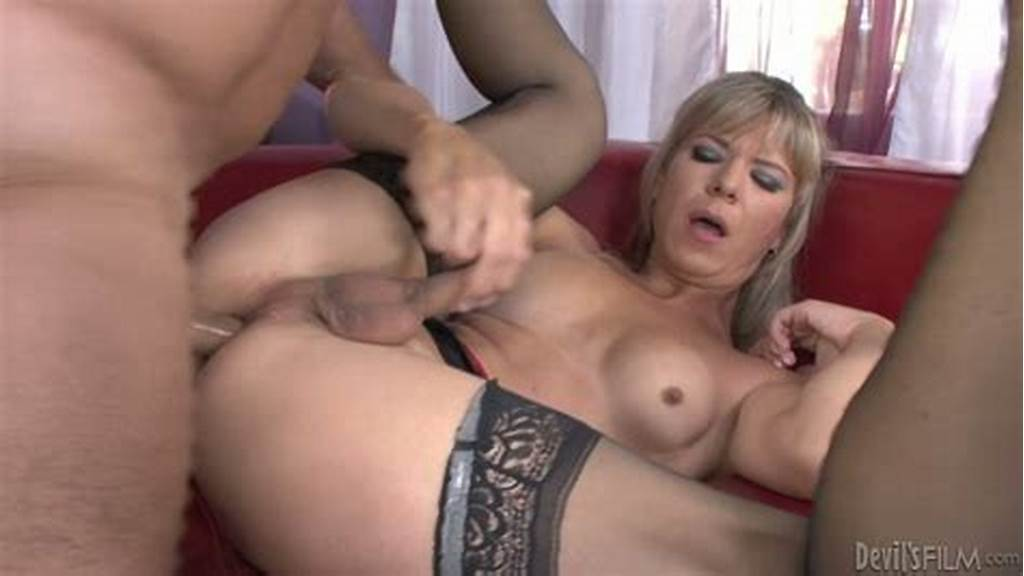 #Very #Feminine #Shemale #Lora #Hoffman #Performs #In #A #Steamy
