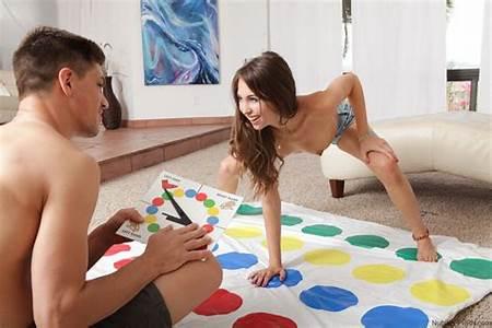 Teen Game Nude