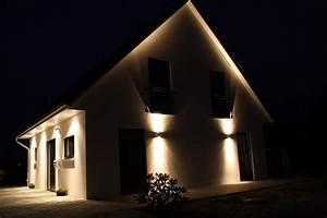Außenbeleuchtung Haus Led : aussenbeleuchtung pixel licht ~ Lizthompson.info Haus und Dekorationen