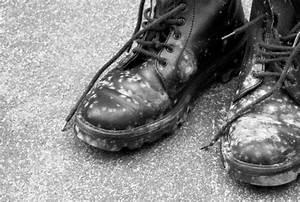Schimmel Aus Silikon Entfernen : schimmel aus kleidung entfernen cleanipedia ~ A.2002-acura-tl-radio.info Haus und Dekorationen