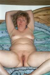 Mature slut naked picture