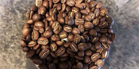 And there's no grinder at your home or where you have arrived with your coffee beans. How to Grind Coffee Beans (With or Without a Coffee Grinder!) in 2020 | Coffee grinder, Coffee ...