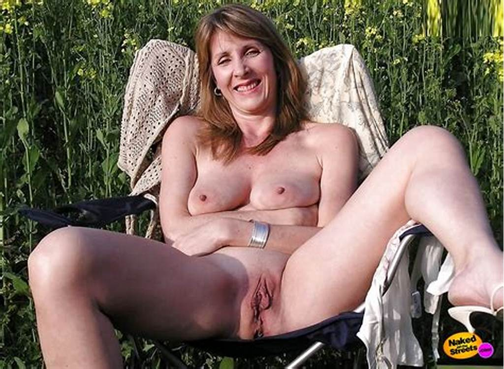 #Mature #Women #Flashing