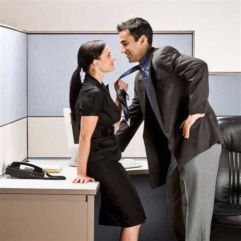 relation sexuelle au bureau 31 des salariés ont déjà eu une relation au travail