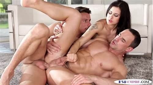 Bisexuals Throating And Pounded Four