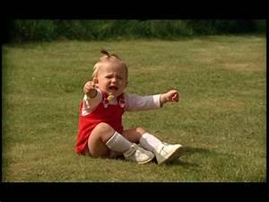 Baby Bettset Mädchen : baby girl dress hd stock video 730 936 724 ~ Watch28wear.com Haus und Dekorationen