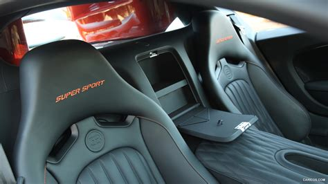 The development of the bugatti veyron was one of the greatest technological challenges ever known in the automotive industry. Bugatti Veyron Super Sport - Interior | HD Wallpaper #76