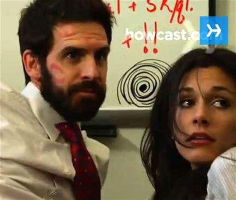 amour au bureau femme comment faire l 39 amour au travail sans se faire choper