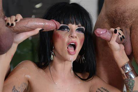 Perverse Mature Prefers Double Cunts Penetration And Facial