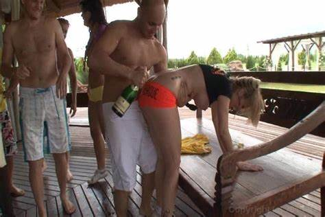 Pool Volleyball Turns Into Swinger Penetrated sugartvstore