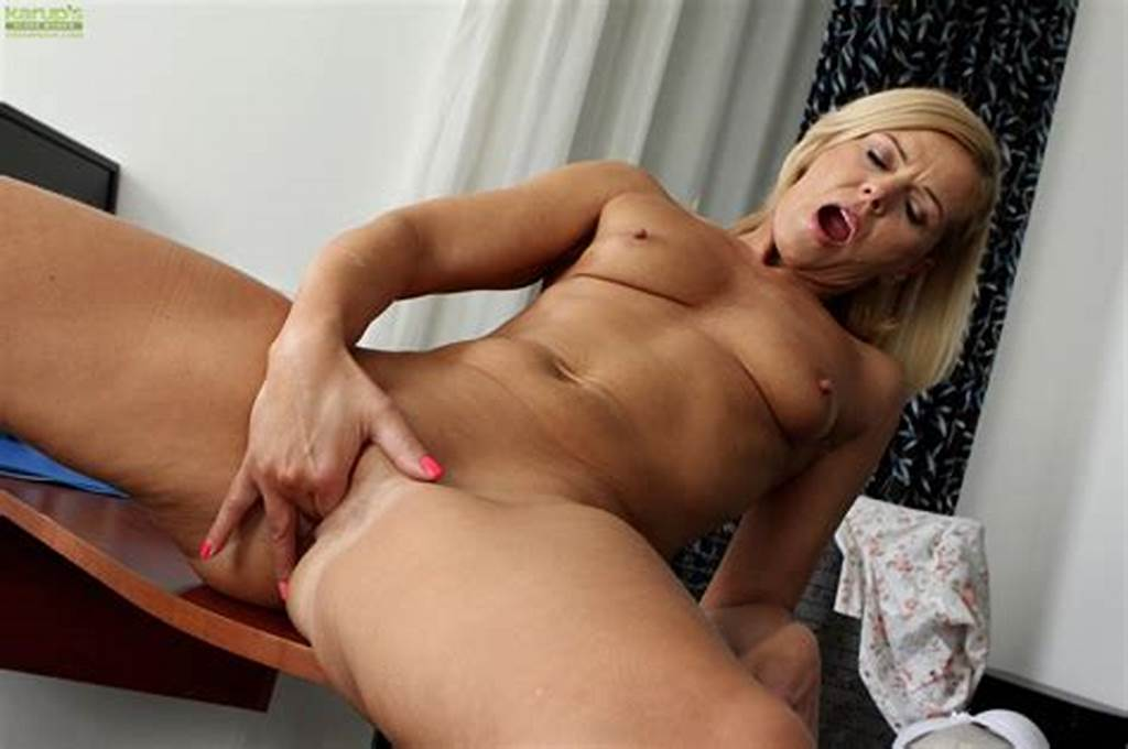 #Horny #Cougar #Carrie #Masturbates #Her #Established #Pussy #At