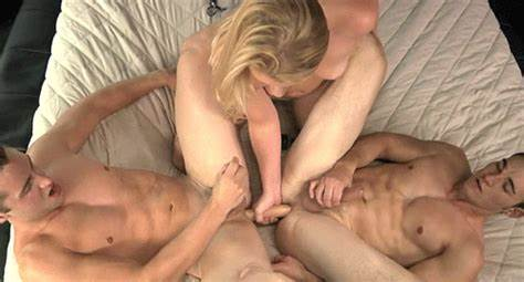 Raunchy Barn Twinks Ffm Stuffed Smothering Play