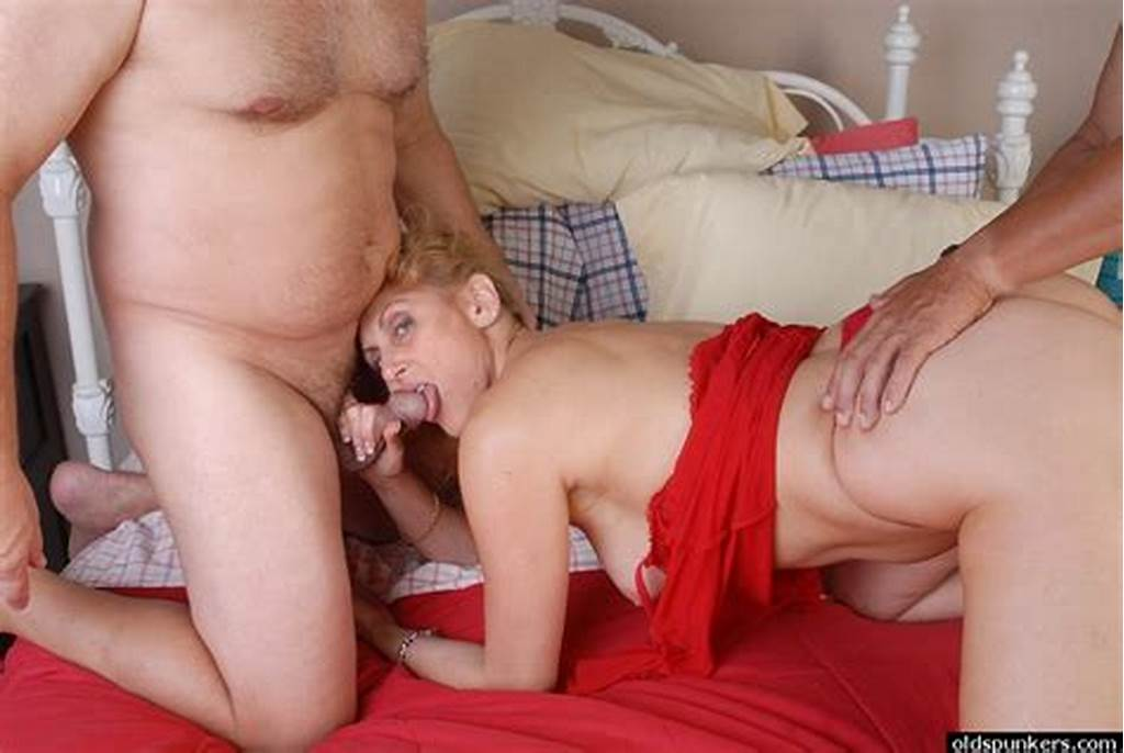 #Mmf #Granny #Threesome #With #Old #Spunker #Dana #Getting #Spit
