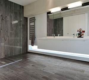 carrelage imitation parquet en 48 idees impressionnantes With parquet hydrofuge salle de bain