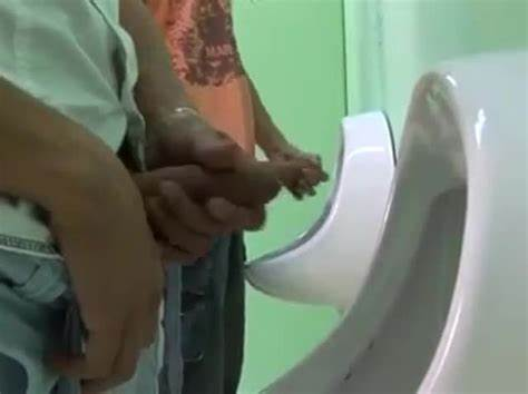 Amateurs Camera Toilet Masturbation