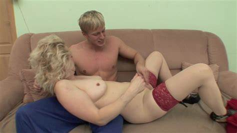 Sex Selection Spunky Blonde Cougar