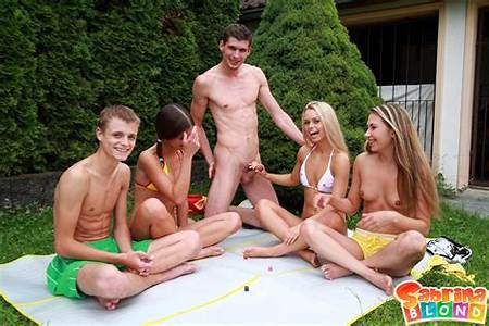 Teens Nude Groups Outside