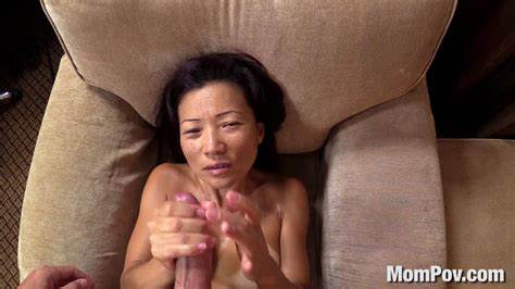 Mature Chinese Drilling Facial