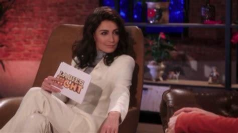 Het bleek najib amhali te zijn, maar daar waren de kijkers niet over de spreken. Wie gaat er schuil achter prinses Amalia in De TV Kantine ...