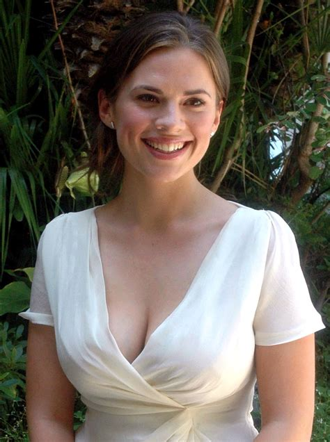 Hayley Atwell 2018 Celebrity Photos X A Bunch Page 1