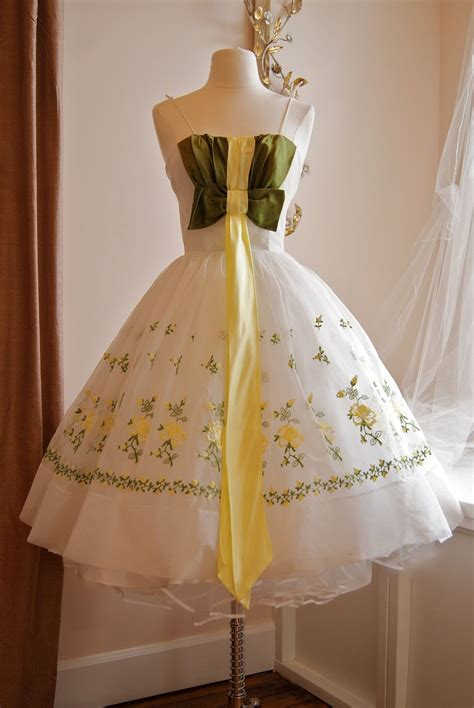 Vintage 1950s Cupcake Party Dress // 50s Green and Yellow