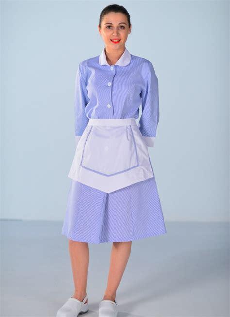 femme de chambre a blouse femme de chambre bleu ciel carlton uniformes d